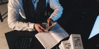 kebiasaan buruk pengusaha dalam mengelola uang