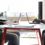 hal yang menunjukkan kualitas karyawan di tempat kerja