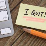 tanda karyawan akan resign karena sudah tidak betah bekerja